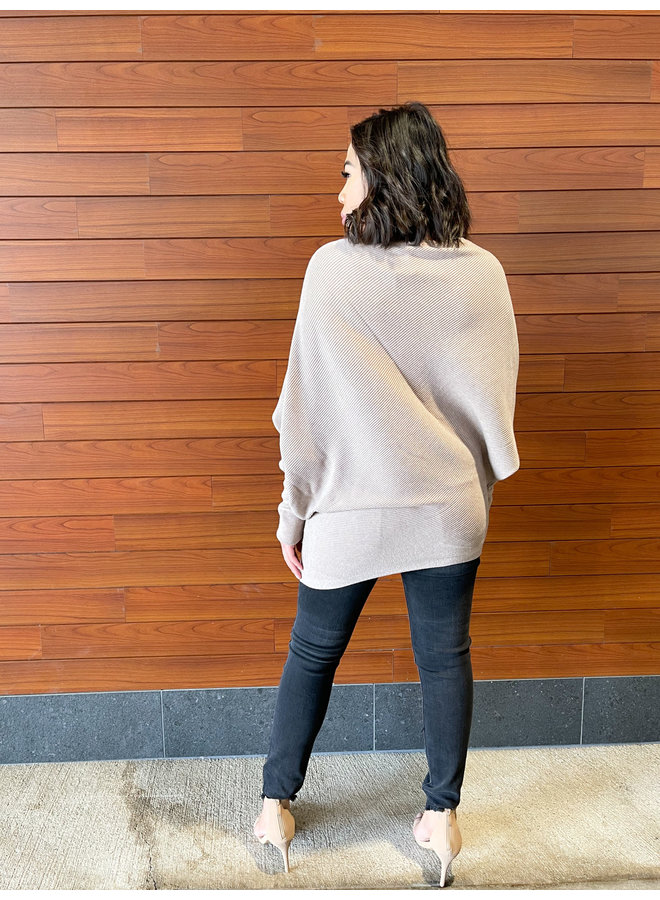 JT56-18 CASHMERE ASYMETRIC SWEATER