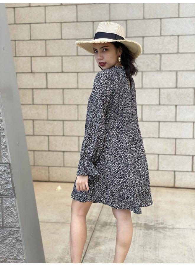 WL20-3656 PLEATED SHIFT DRESS