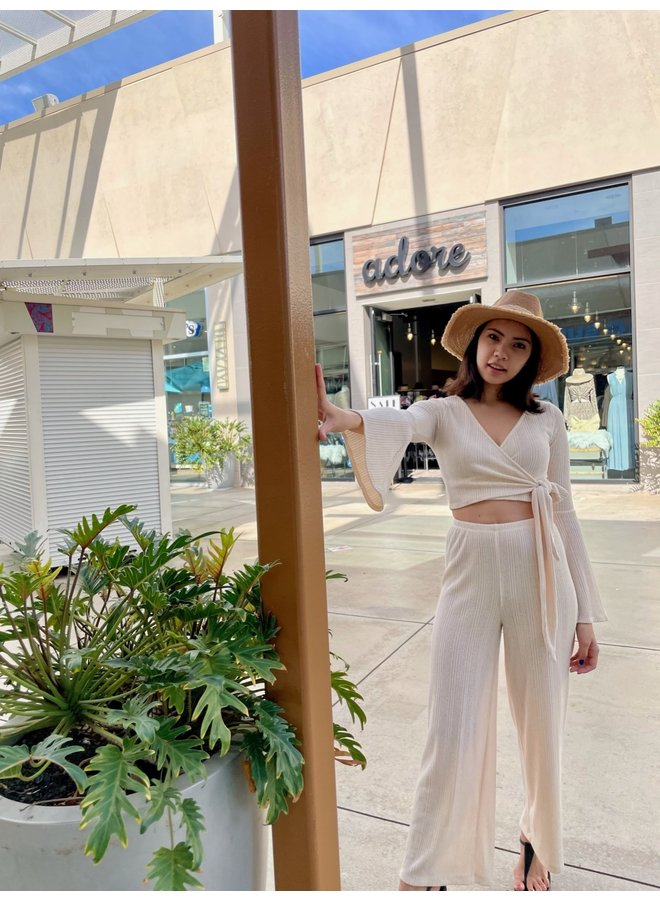 TH9933 SOLID KNIT FLARE SLEEVE CROP TOP