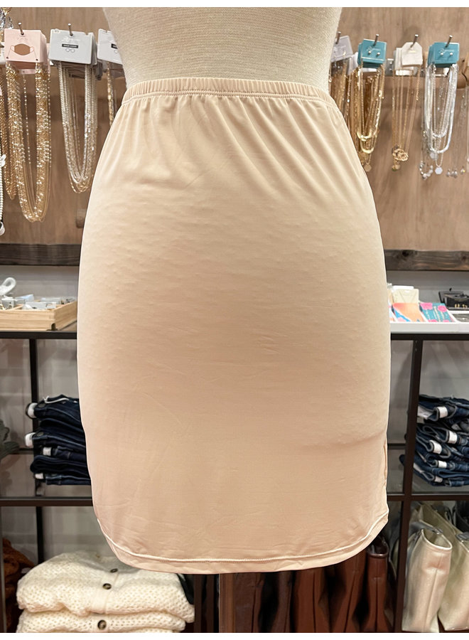 HALF SLIP *2 colors available*