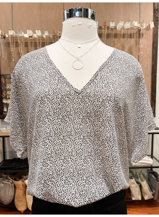 BASIC PRINTED BLOUSE