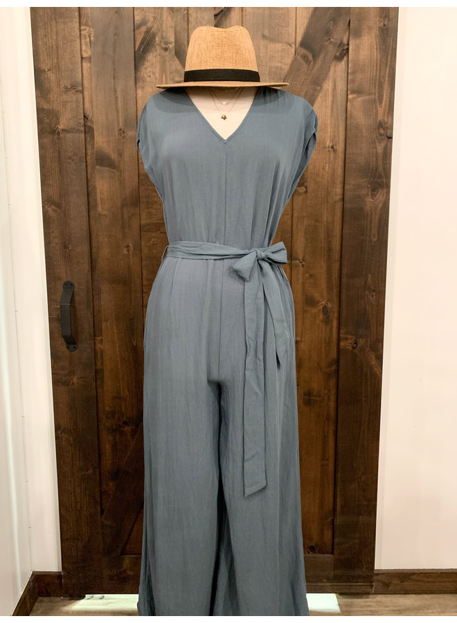 JU17405A RELAXED FIT JUMPSUIT