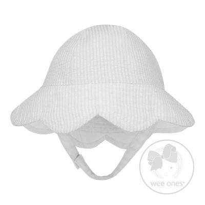 Wee Ones Reversible Wh Seersucker Scallop Hat