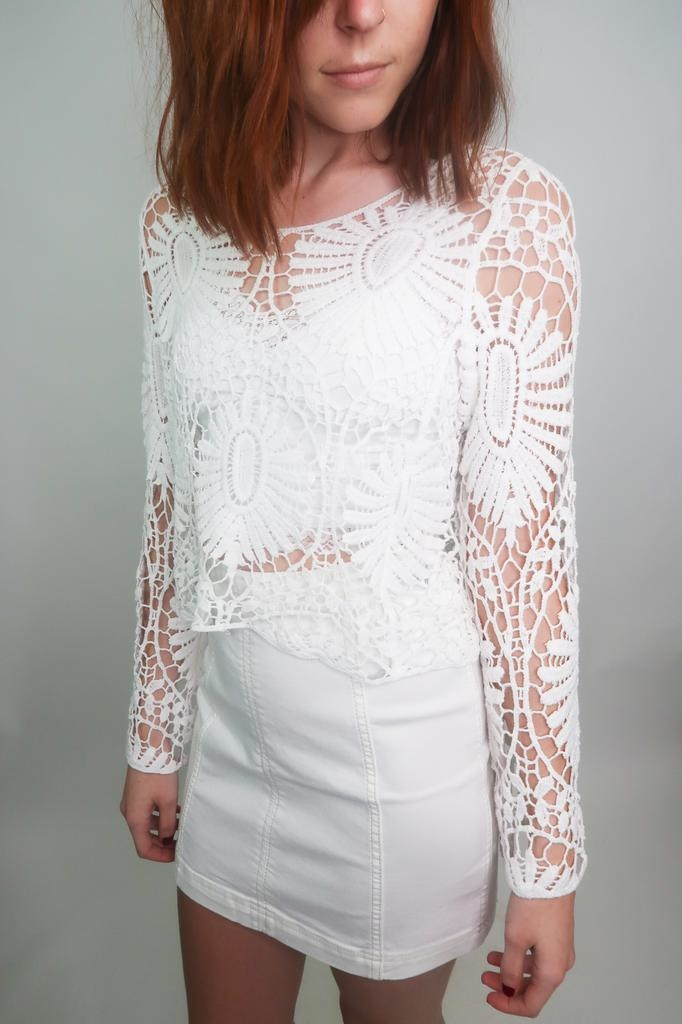 En Creme Long Sleeve Lace Top