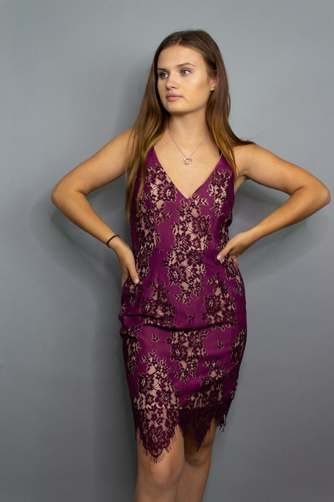 Minuet Lady In Lace Dress