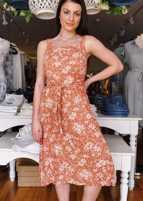 Hem & Thread Fine Line Midi Dress