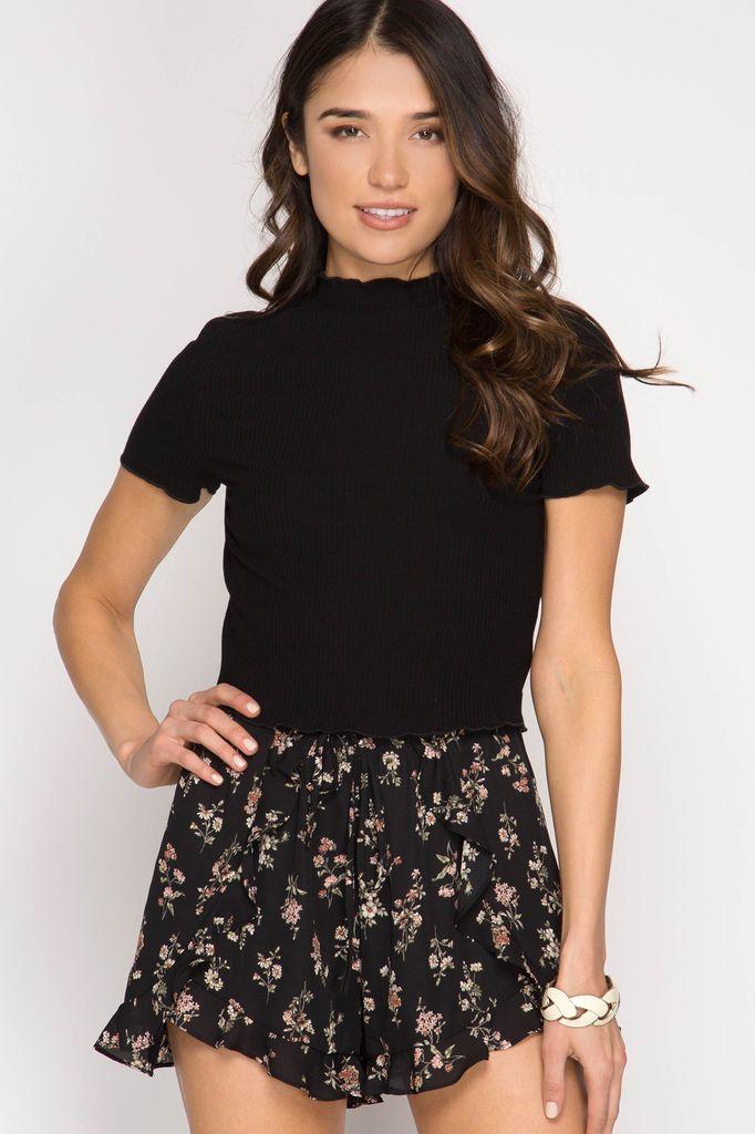 She + Sky Floral Daisy Print Ruffled Shorts