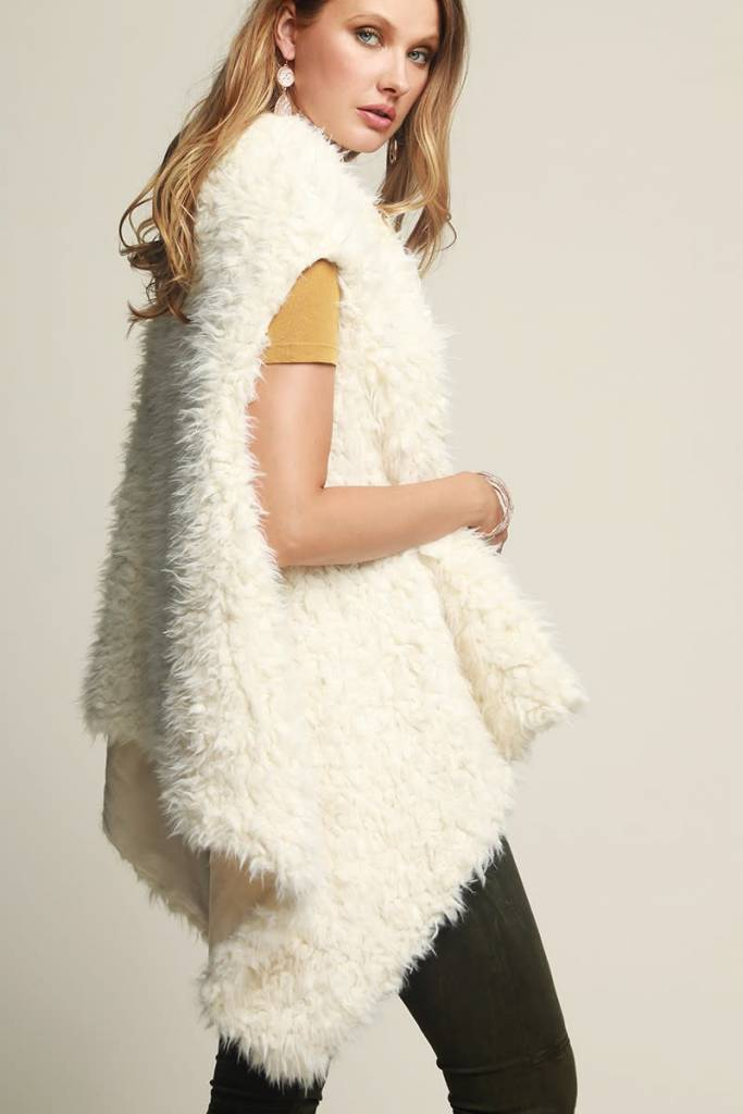 Fleurish Home Cream Faux Fur Vest