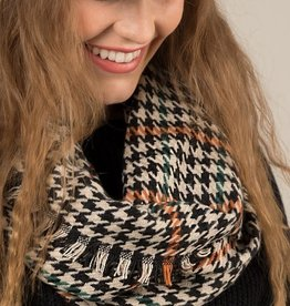 Fleurish Home Houndstooth Plaid Infinity Scarf
