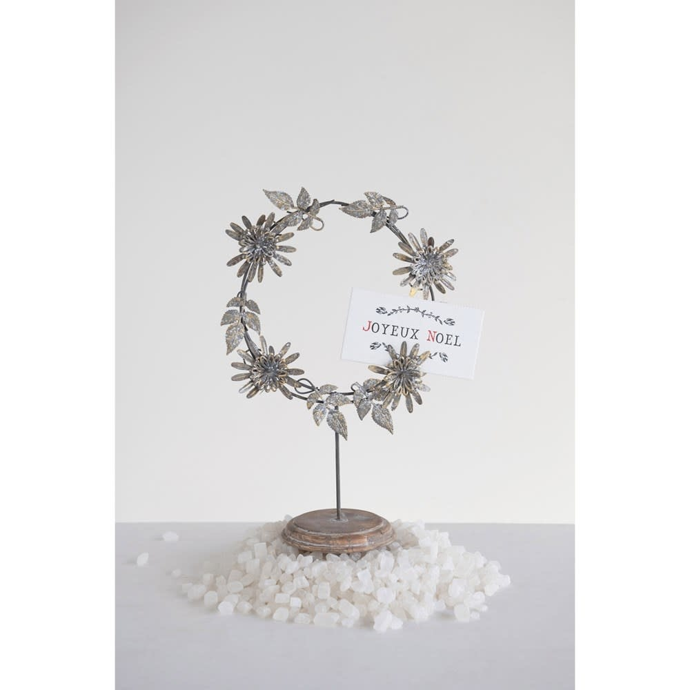 Fleurish Home Antique Silver Finish Metal Flower Wreath on Stand