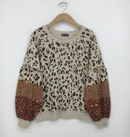 Democracy LONG BLOUSON SLEEVE MULTI-ANIMAL PRINTED SWEATSHIRT