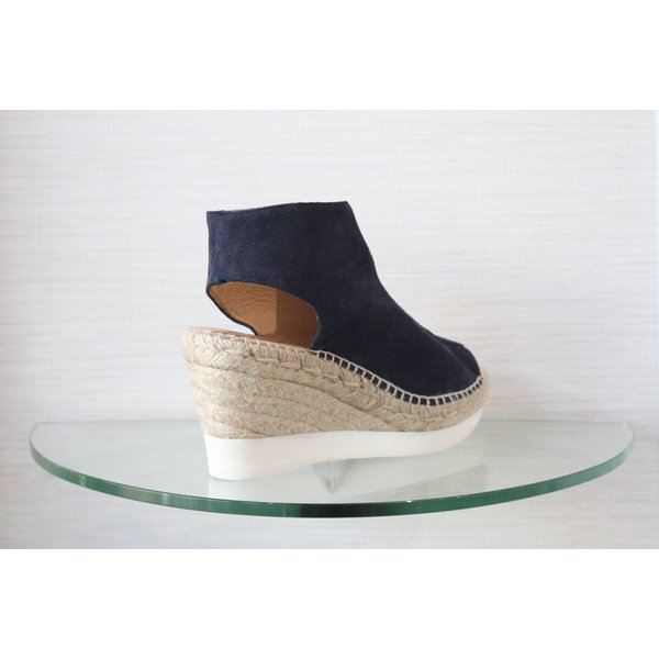 Kanna Zip Up Wedge with a White Sole