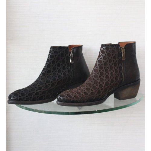 Kanna Kanna Ankle Boot with Perferated Leather