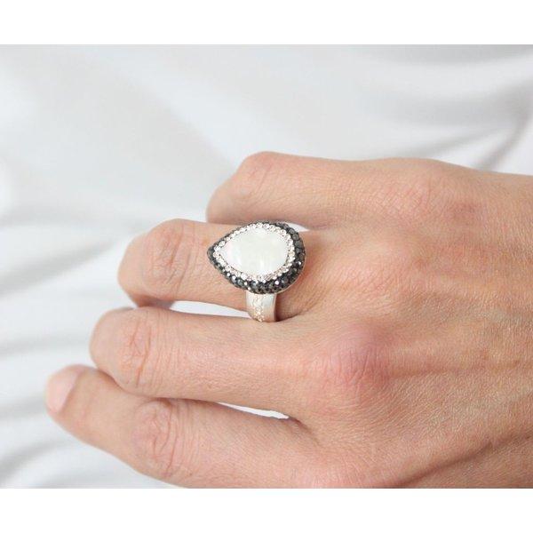La Costa Bambi Gem Tear Drop Silver Baroque Pearl Hematite