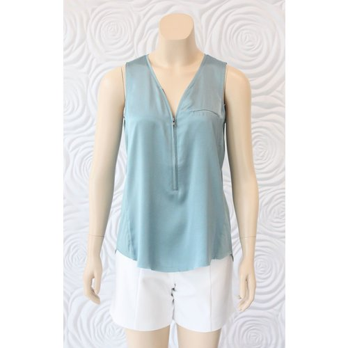Go Silk Go Silk Sleeveless Zip Up Tank