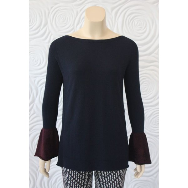 D Exterior Sweater Top with Wrist Detail in Navy