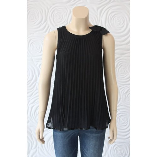 Weill Weill Pleated Sleeveless Blouse