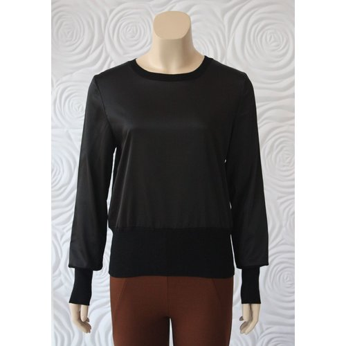 Weill Weill Silk and Knit Lightweight Sweater