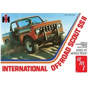 AMT Models (AMT) International Scout II 1:25