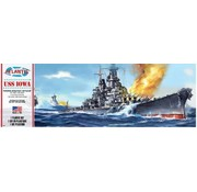 AMC - ATLANTIS MODEL USS IOWA BATTLESHIP