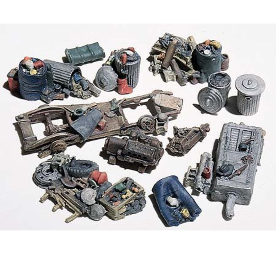 HO Assorted Junk Piles