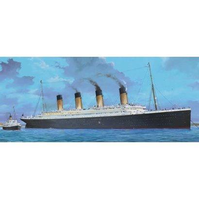TSM - Trumpeter Models 3713S RMS TITANIC OCEAN LINER 1/200