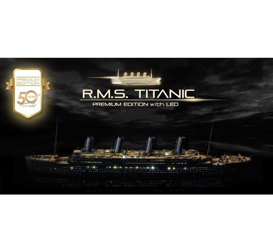 14226 1/400 RMS Titanic Ocean Liner Premium Edition(Limited) w/LED, wood deck, photo-etch 1/400