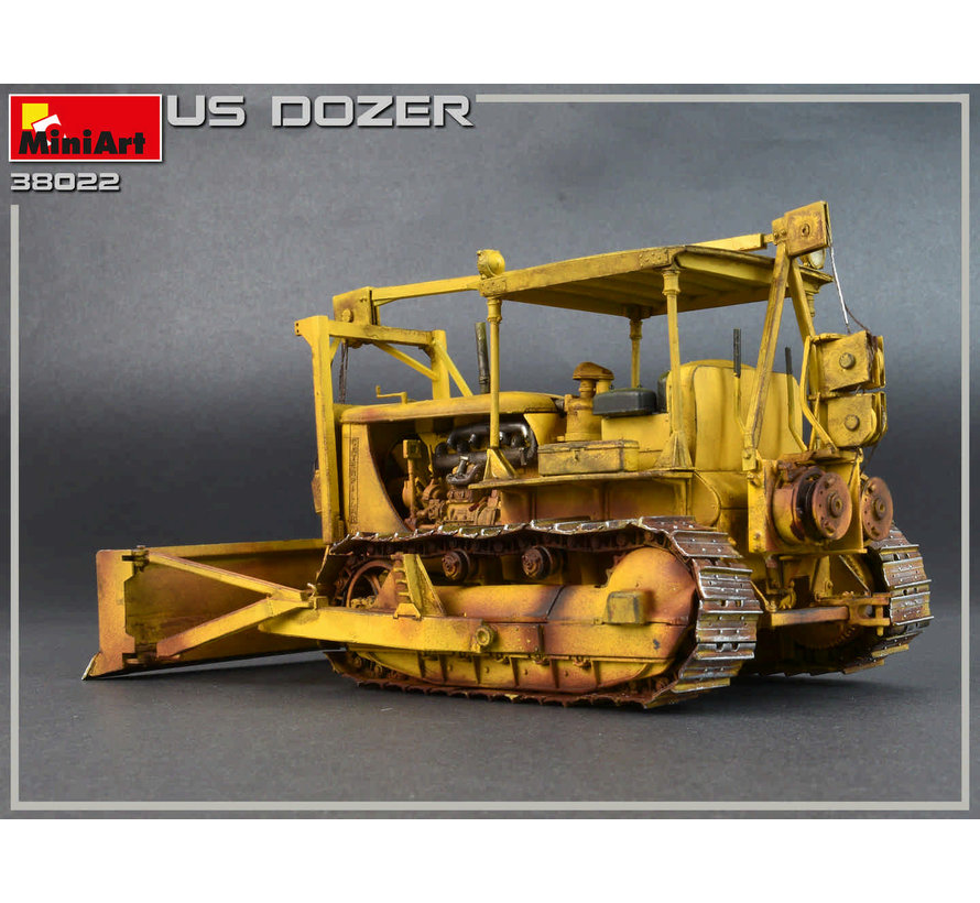 38022 US Army Bulldozer with Angled Blade 1/35