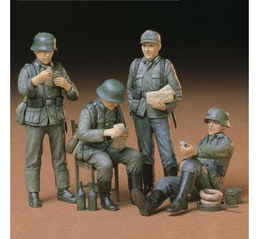 35129 1/35 German Soldiers At Rest Kit