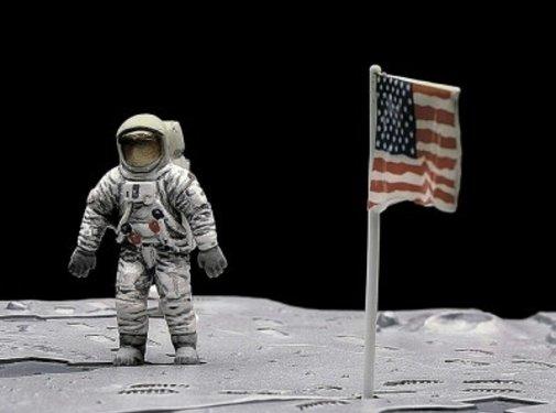 MON - Monogram First Lunar Landing 1:48