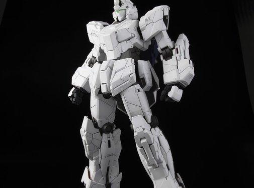 BANDAI MODEL KITS 1/60 Unicorn Gundam PG