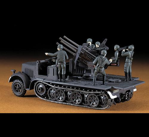 Hasegawa (HSG) 31114 1/72 SdKfz7 8-Ton Half Track w/Quad 20mm AA Guns