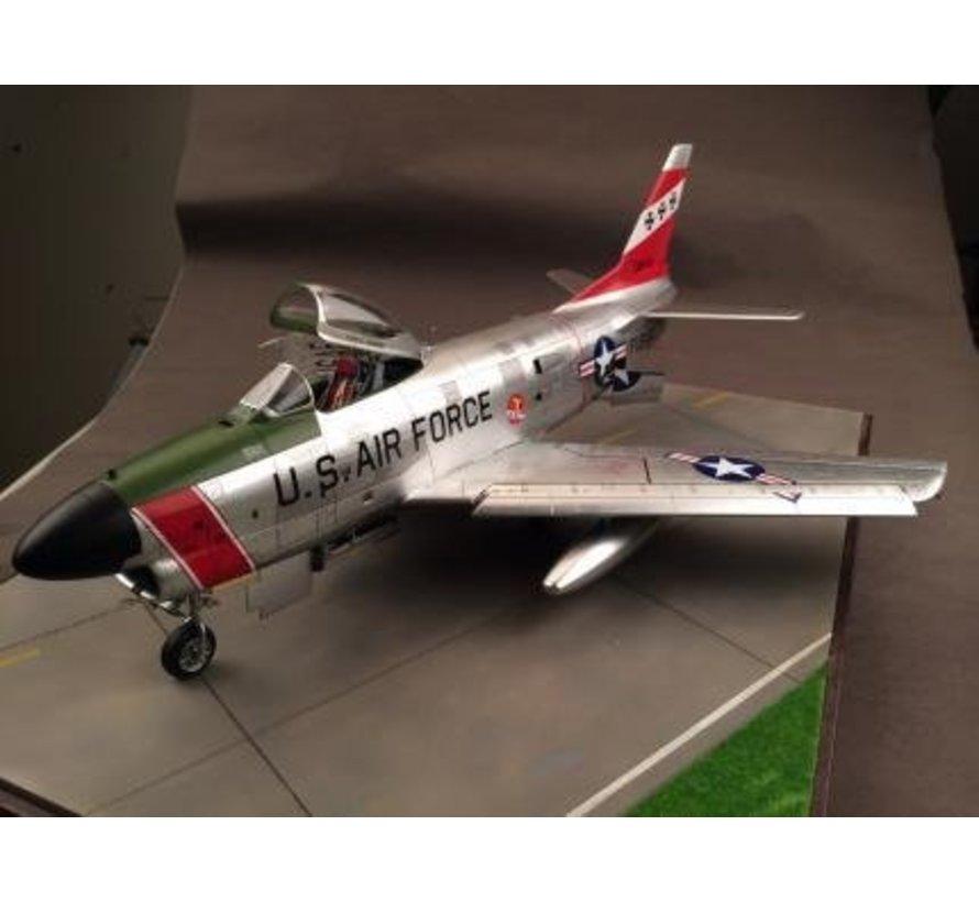 1:32 F86D Sabre Dog USAF Fighter (New Tool)