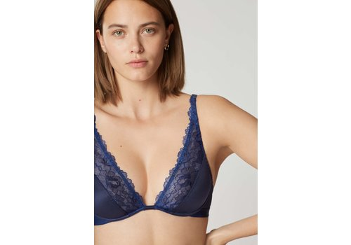 Shade Underwire Triangle Bra