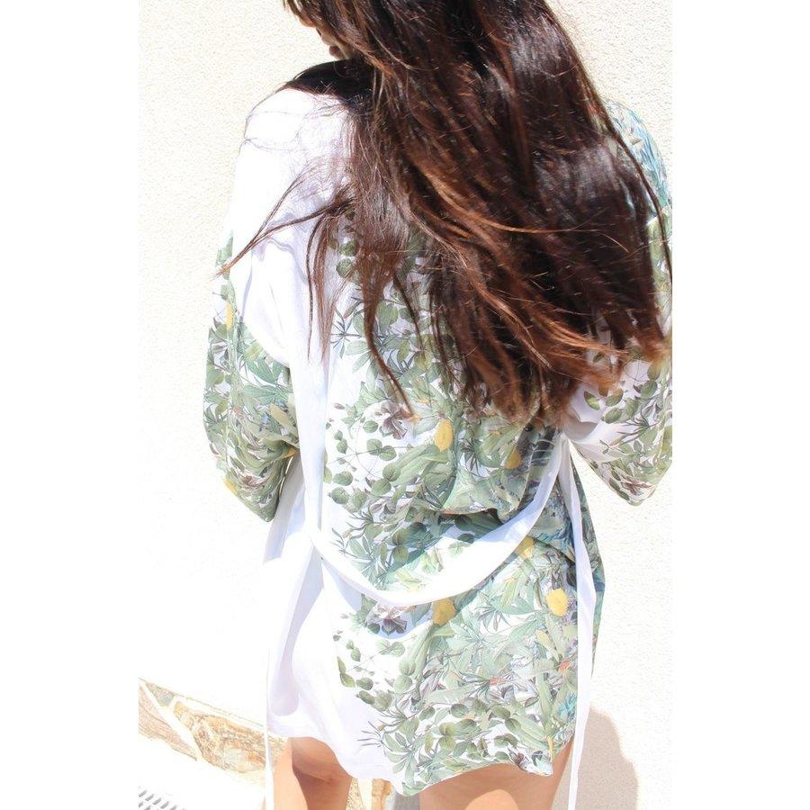 Lazy Mayzie Kimono