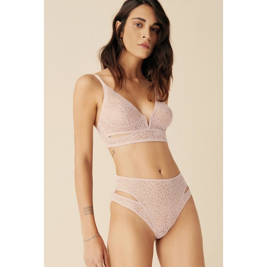 Zoe Soft Cut-Out V Bra