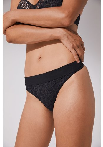 Graphic Lace Norma Regular Thong