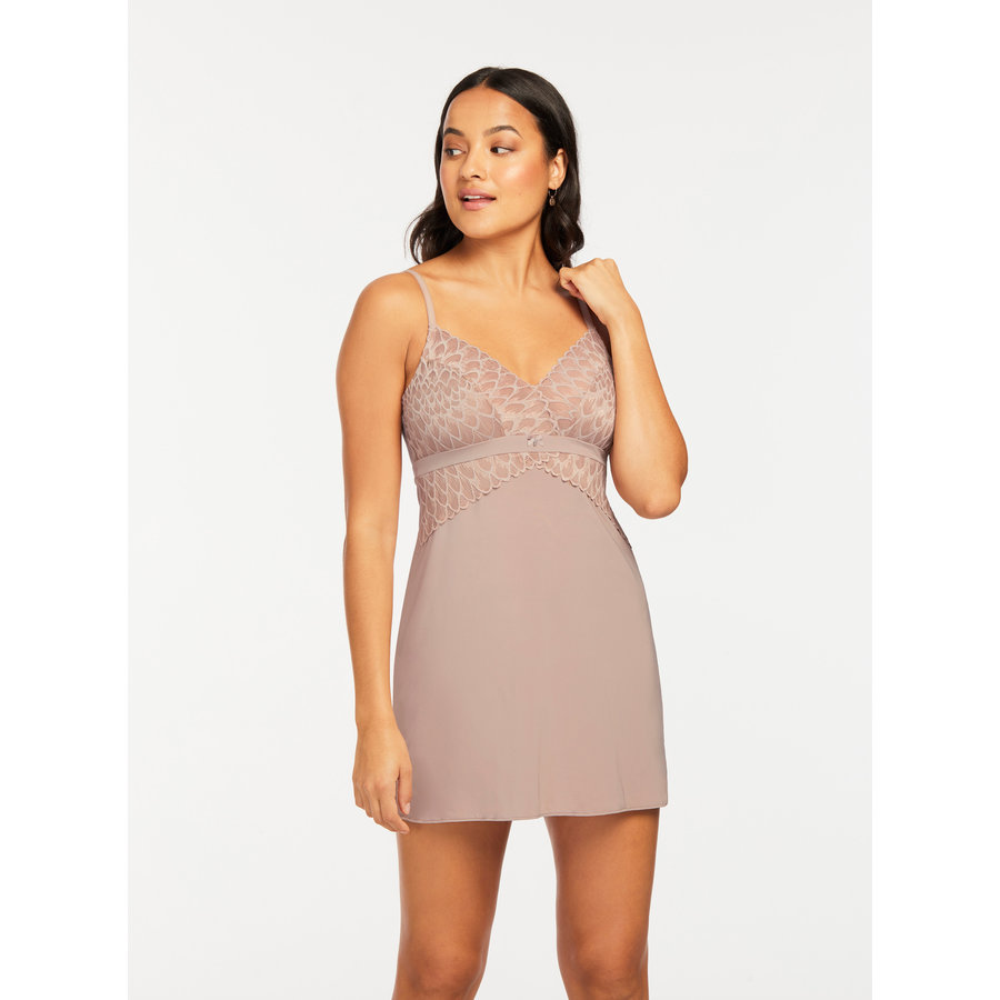 Smokeshow Bust Support Chemise