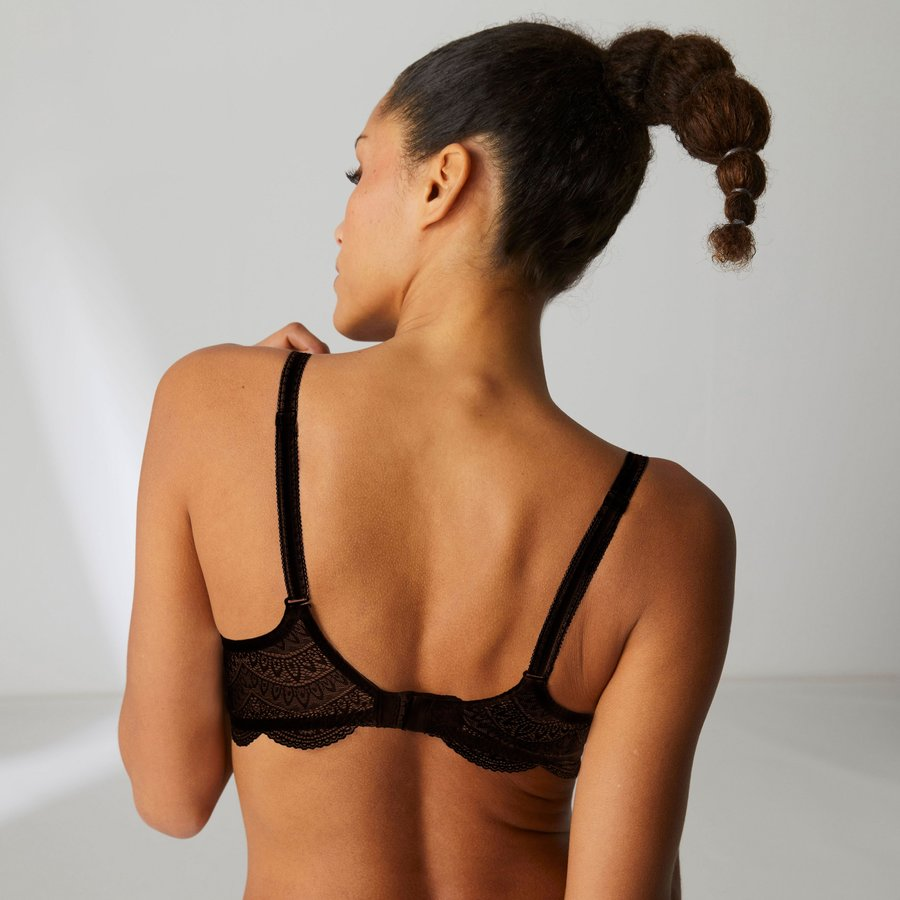 Karma 3D Molded Bra with Triangle Lace