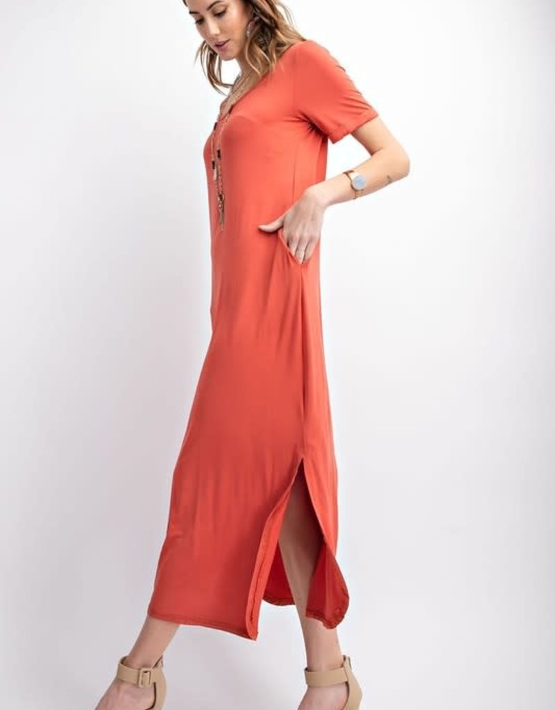 Easel MAXI DRESS FEATURES AN SCOOPED NECKLINE, OPEN BACK DETAILING, SIDE SLIT AND POCKETS