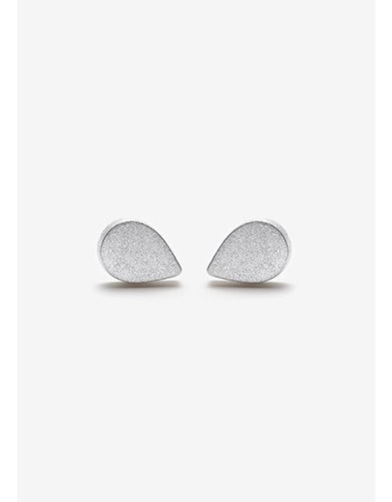 PILAR AGUECI Pear shape stud sandblasted silver
