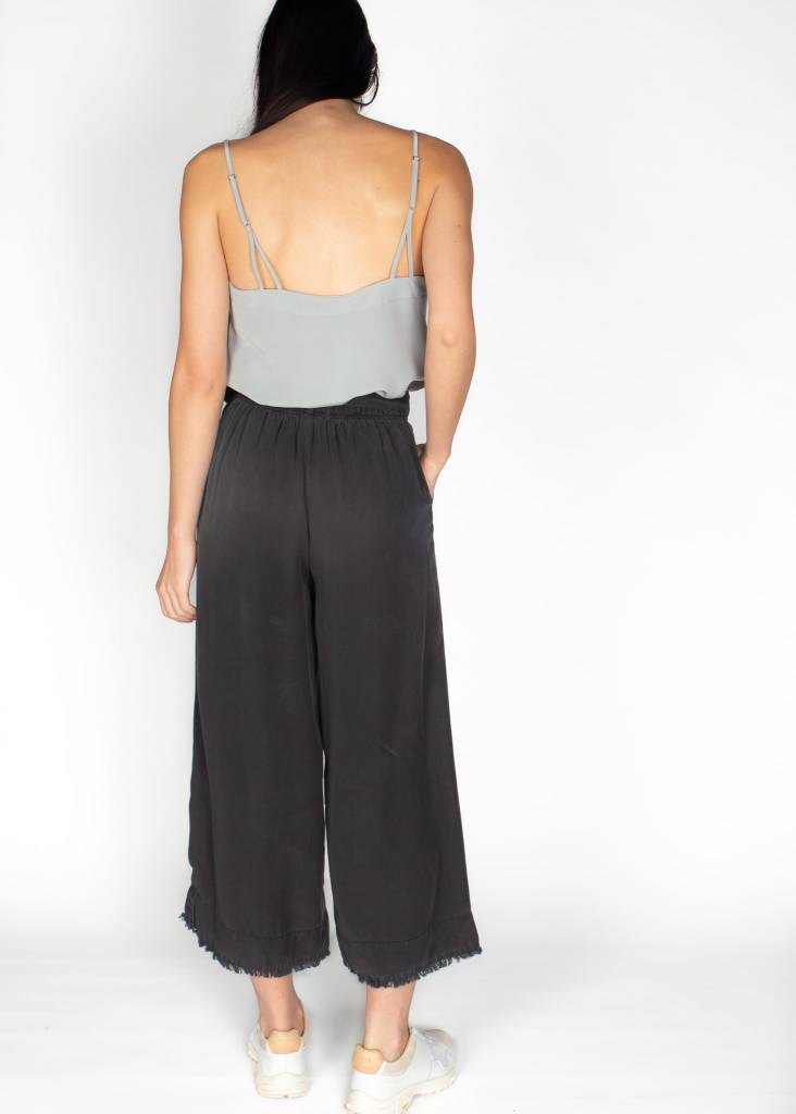 BELTED HIGH WAISTED CROP PANT
