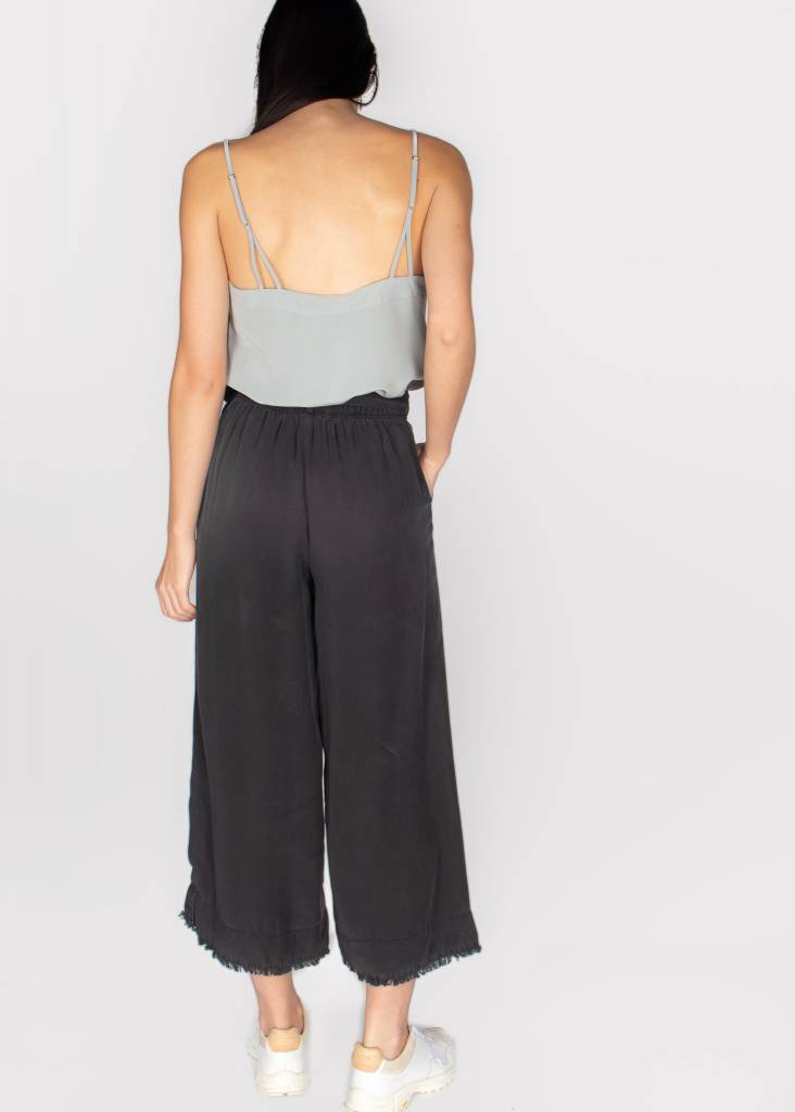 BELLA DAHL BELTED HIGH WAISTED CROP PANT