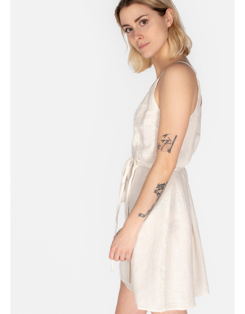 BELLA DAHL V-back wrap dress