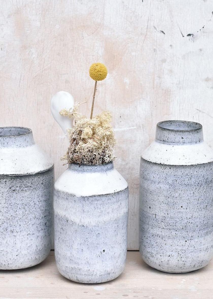 Tasjap Small vase in blue grey glaze