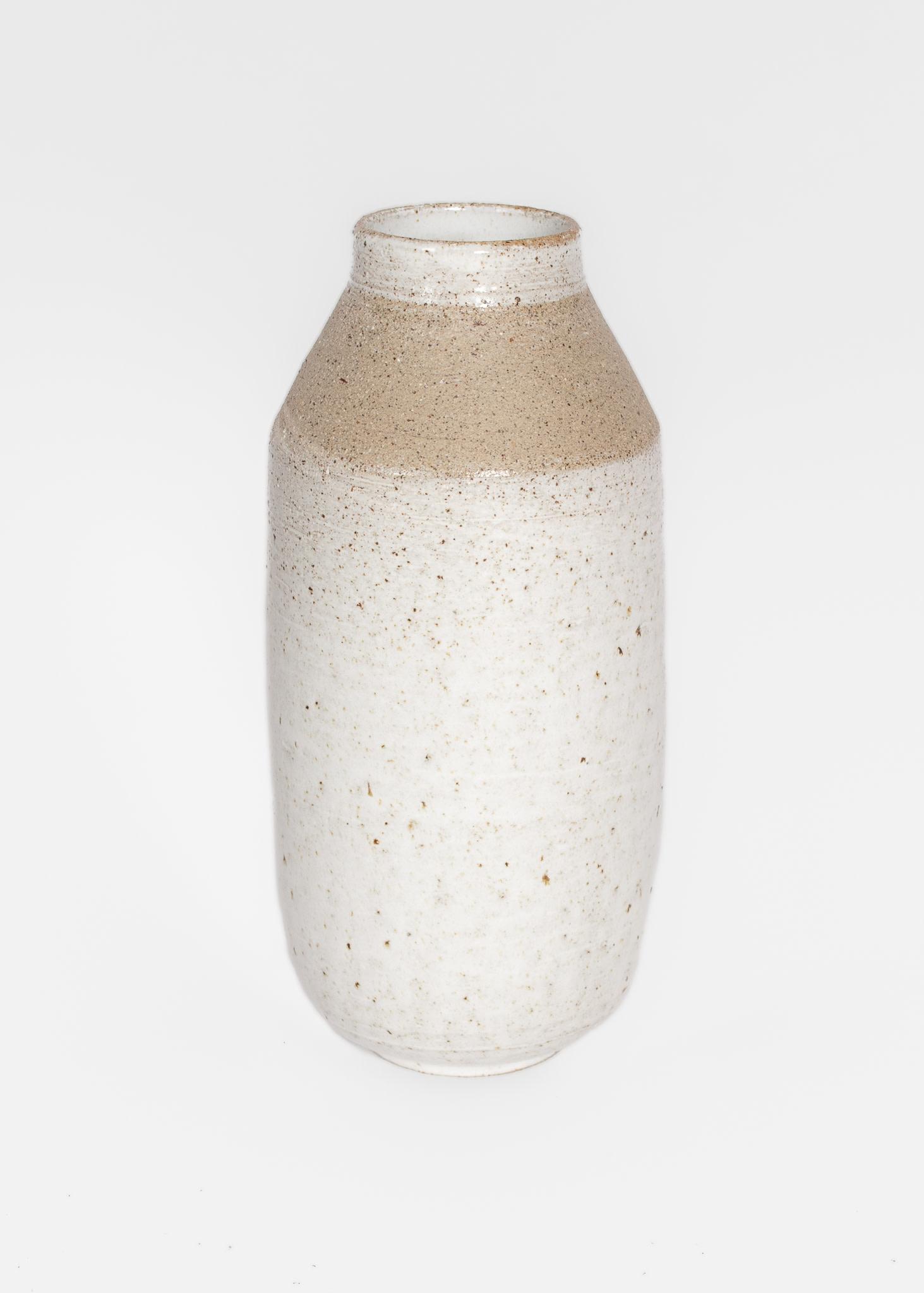 Tasjap Small tall vase in white glaze