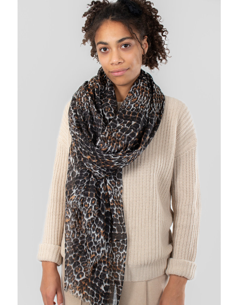 IN WEAR Mette scarf natural leo