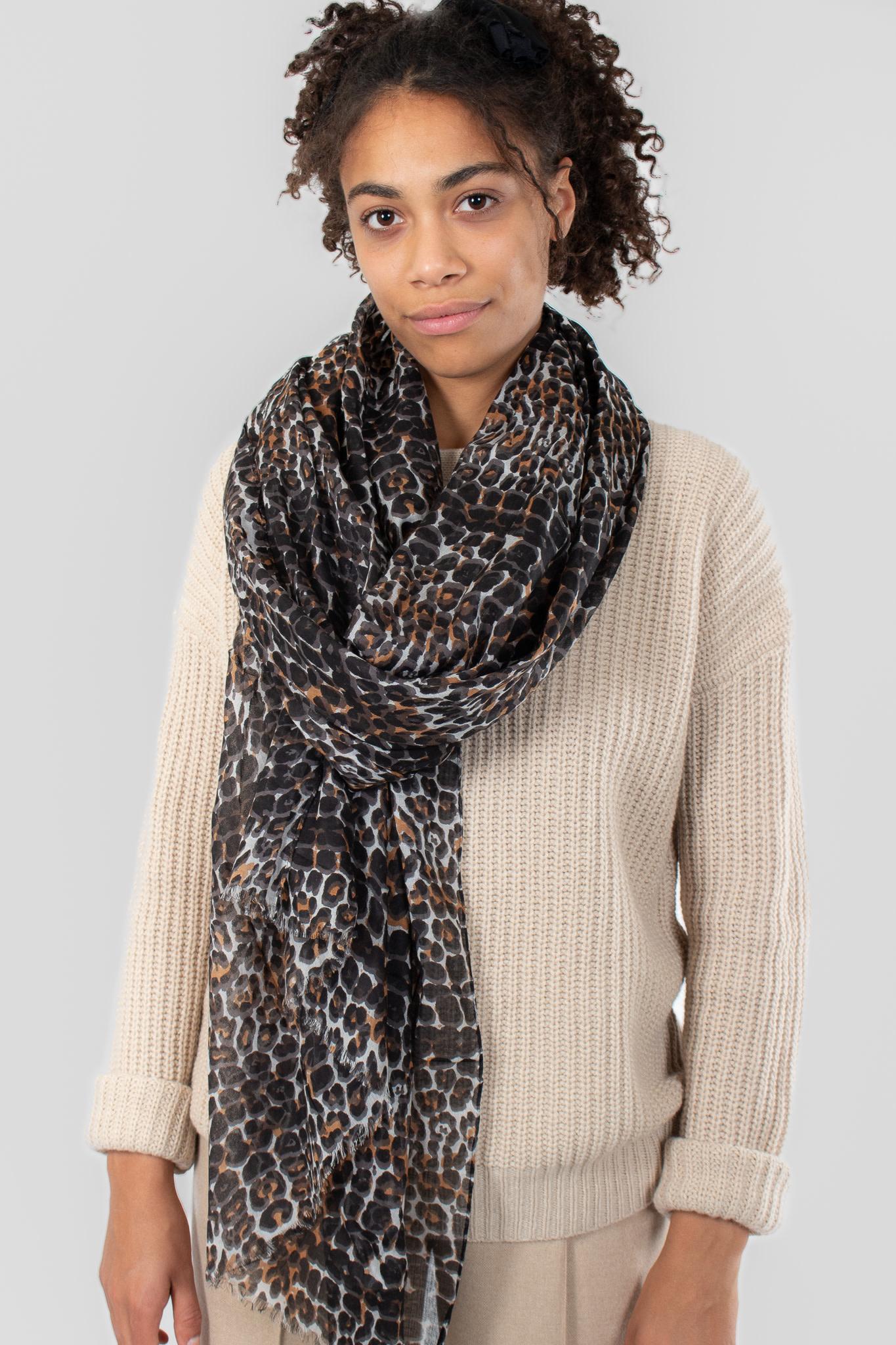 IN WEAR Mette scarf natural leo