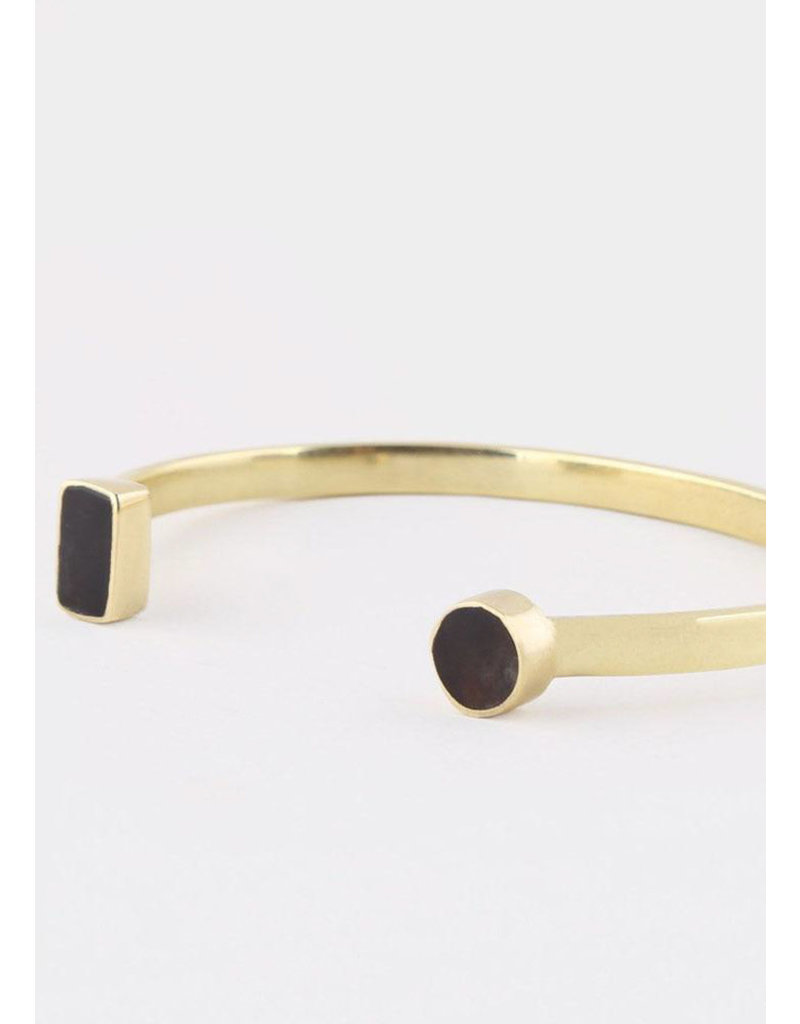 SOKO Open mari cuff black