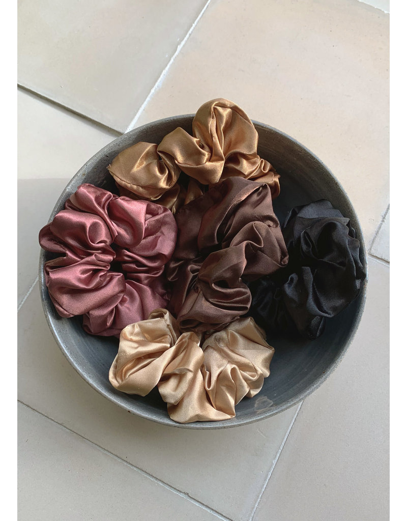 Swell & Ginger Silk scrunchie